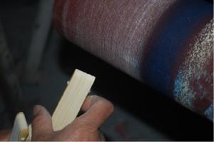 扇子根元丸みを形成するための研磨