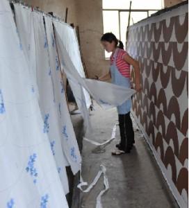 扇子表面に貼る 綿・シルクへののりつけ